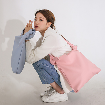 [VELYSOME] Leatherette Square Shoulder Bag