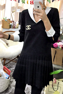 Contrast Collar Pleated Dress