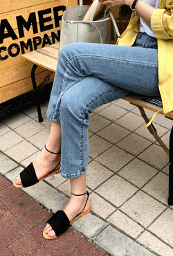 Wide Upper Ankle Strap Sandals